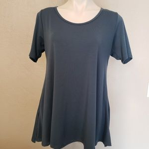 LuLaRoe | Irma Top Blue M